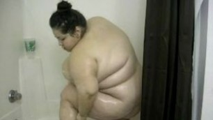 Incredibly fat woman Sexy SSBBW in the Shower