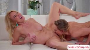 Blonde Carter and MILF Erica enjoys scissor lesbian sex