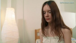 Lola Kishalak young girl caresses her hairy pussy Solo Casting
