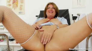 Mature nurse in white stockings fucks herself dildo bohunka 1