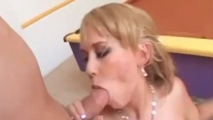 Sexy woman wants the cock in her pussy to move faster and faster