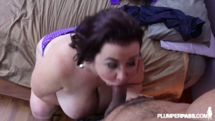Lady Lynn BBW MILF Lady Lynn Fucks The Delivery Guy